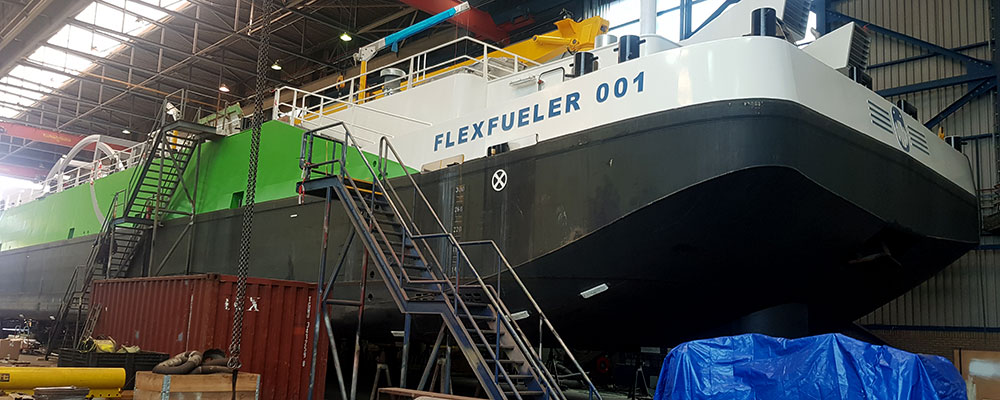 Boxcooler protection for LNG bunker vessel